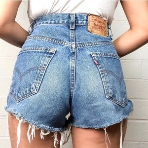 Vintage Levi's 560 high waisted shorts
